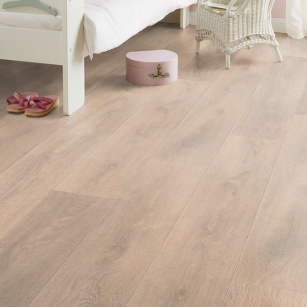 Krono Supernatural Narrow 8mm Blonde Oak Laminate Flooring Gw Leaders