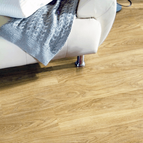 Vario+ 12mm Light Varnished Oak 4v Groove Laminate Flooring (9748)