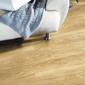 Vario 8mm Light Varnished Oak Laminate Flooring (9748)