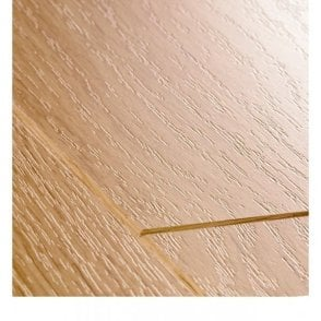 Perspective 4 Way 9.5mm Natural Varnished Oak Laminate Flooring